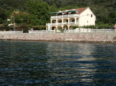 1111 stevovic s and rooms, Tivat