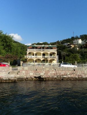 2222 stevovic s and rooms, Tivat