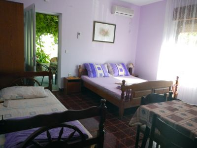 dscn0221 stevovic s and rooms, Tivat