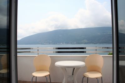 terrace_with_sea_view