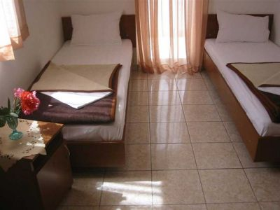 twin_room_in_becici