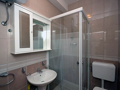 bathroom_in_the_suite