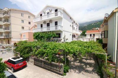 12 oregon accommodation, Budva