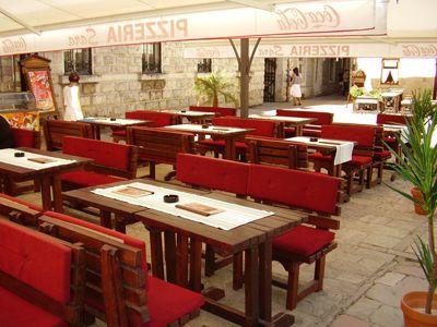 p7080041 caffe pizzeria sara, Kotor