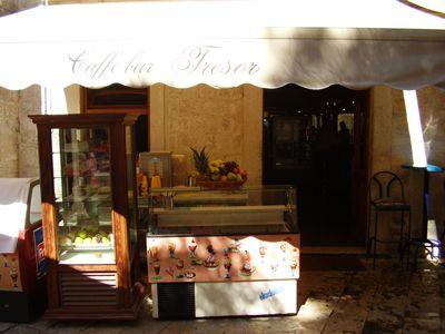 p7080035 caffe bar tresor, Kotor
