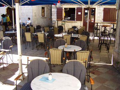 p7080002 caffe bar scorpio, Kotor