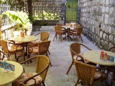 p7050030 caffe armonia, Perast