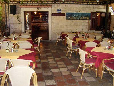 p7050005 restoran ellas, Kotor
