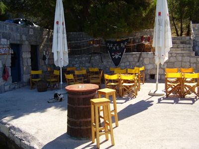 p7070016 pirate bar, Perast