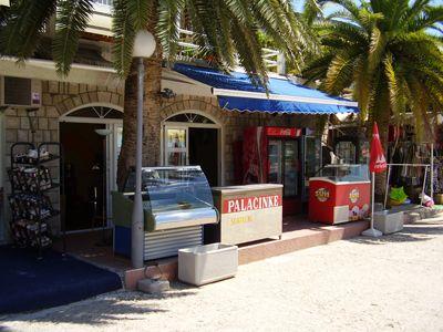 p7120022 caffe pizzeria dominicana, Igalo