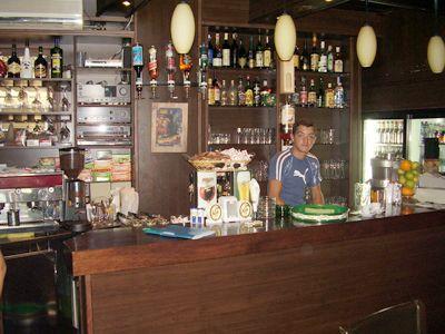 p7210046 caffe pub, Zelenika