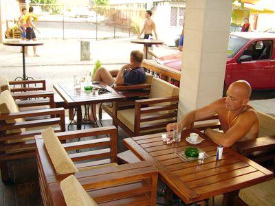 p7210048 caffe pub, Zelenika