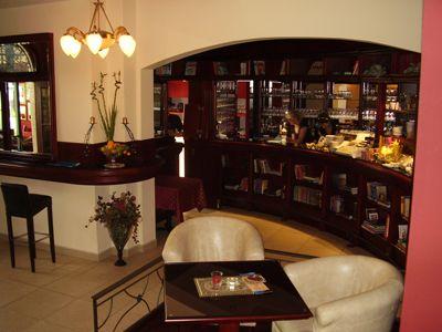 p7220079 caffe bar biblioteka, Igalo