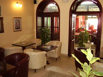 p7220080 caffe bar biblioteka, Igalo