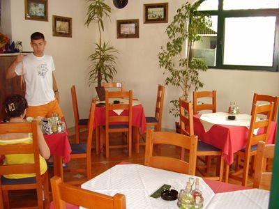 p7220071 restoran upitnik, Igalo