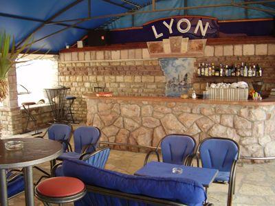 p7260060 caffe lyon, Bijela
