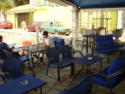 p7260063 caffe lyon, Bijela