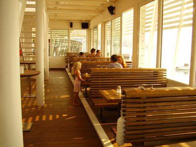 p7260036 caffe club bijela