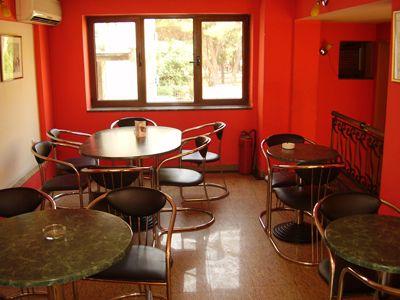 p7250128 caffe bar alba, Tivat