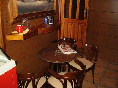 p7250120 caffe bar mirakul, Tivat