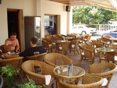 p7250126 caffe bar mirakul, Tivat