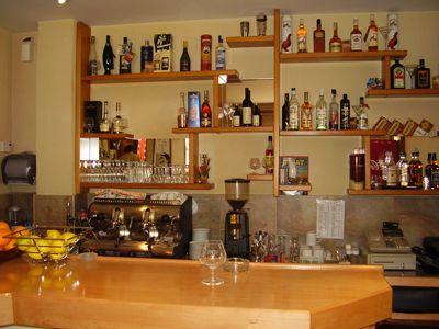 p7250077 caffe club conte, Tivat