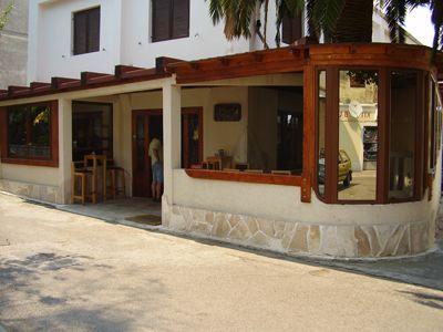 p7250079 caffe club conte, Tivat