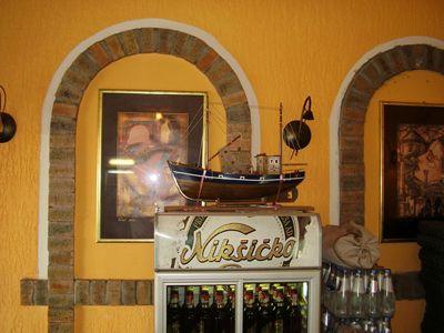 p7250034 caffe apolon, Tivat