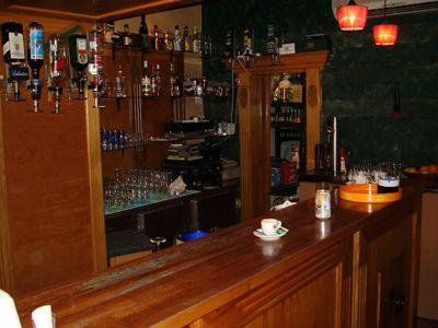 p7250038 caffe mažestik, Tivat