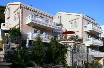 7 damonte s and rooms, Budva