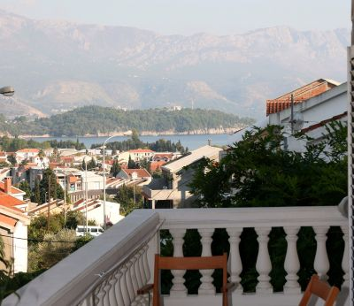 77 damonte s and rooms, Budva