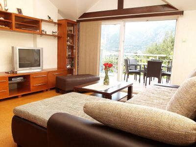 rm017920 kiwi apartman, Kotor