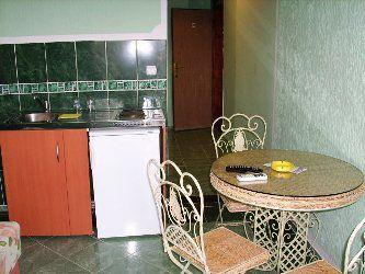 20070701_083404_kuhinja gostionica konoba stari jedrenjak, Tivat