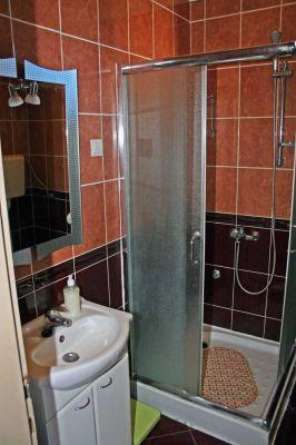 kupatilo_apartmani_cerovic6_herceg_novi_crna_gora