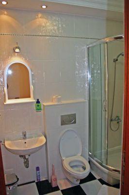 kupatilo_apartmani_krnajski_herceg_novi_crna_gora
