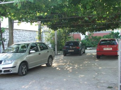 parking za goste elena, Budva